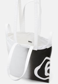 MM6 Maison Margiela - SHINY PLEATHER BERLIN BAG - Tote bag - white - 3