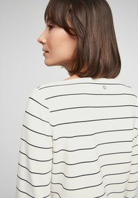 s.Oliver - Long sleeved top - off-white stripes - 4
