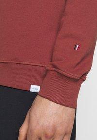 Les Deux - CALAIS - Sweatshirt - rust red - 3