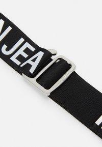 Calvin Klein Jeans - SLIDER TAPE BELT - Vyö - black - 2