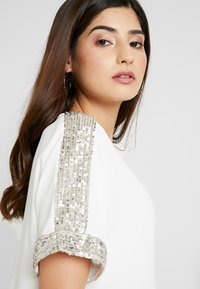 Dorothy Perkins Petite - SHIMMER BATWING TEE - Bluser - ivory - 4