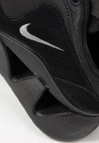 Nike Sportswear - RYZ - Trainers - black/metallic dark grey - 2