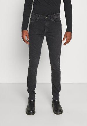 CHASE - Slim fit -farkut - worn grey
