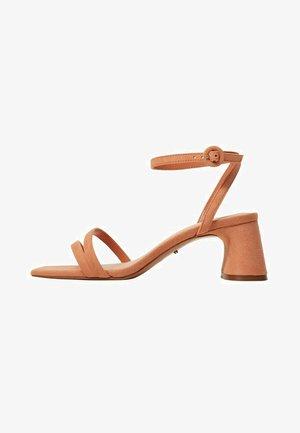 Sandals - mandarine