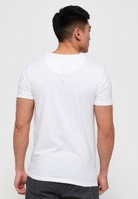 Superdry - 2 PACK - T-shirt basic - laundry white / laundry black - 2