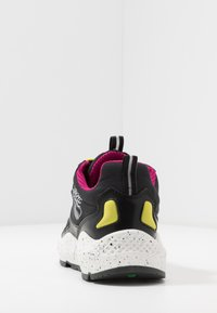 Timberland - RIPCORD LOW SNEAKER - Trainers - black/pink - 3