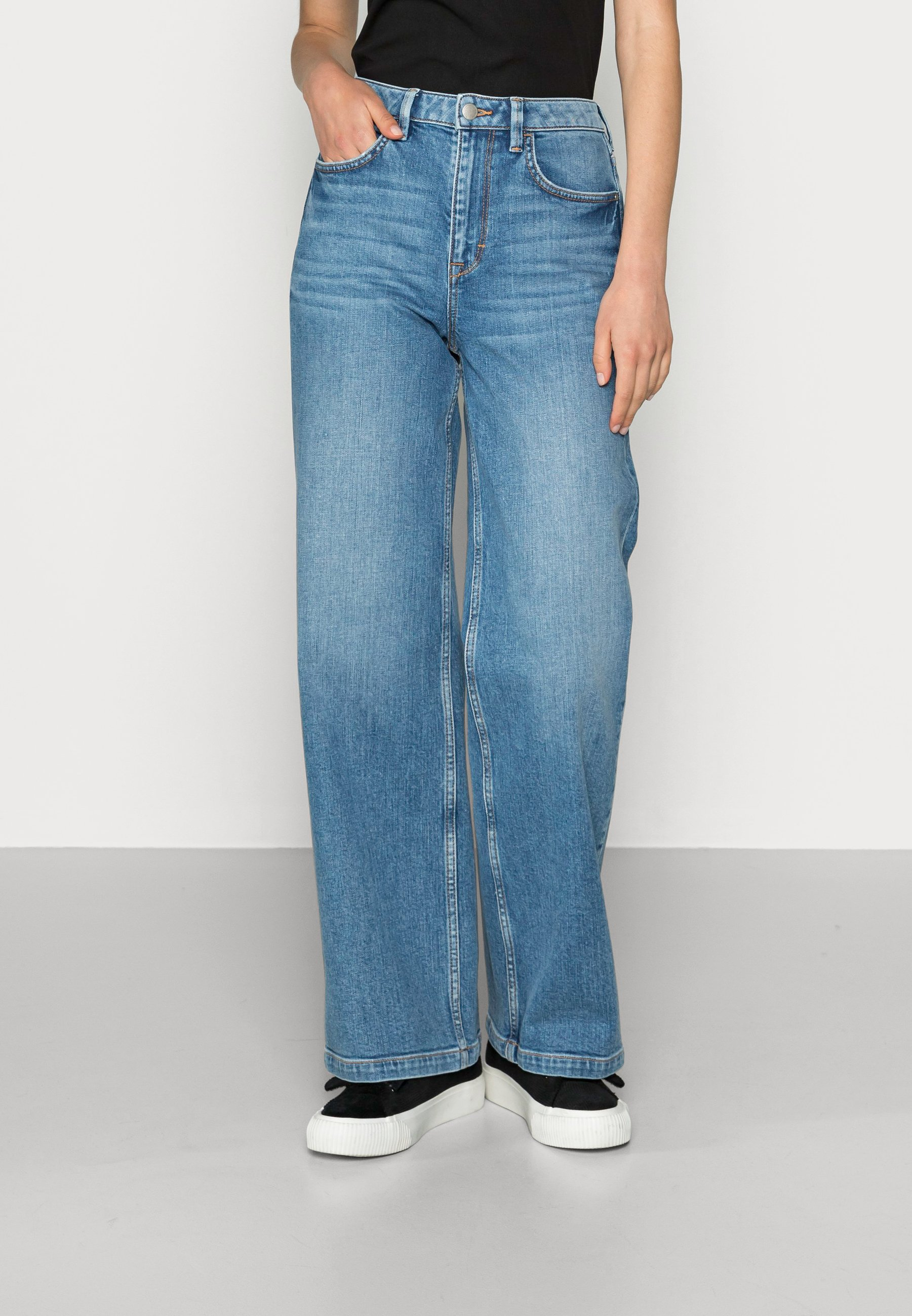 Damer WIDE LEG - Flared jeans