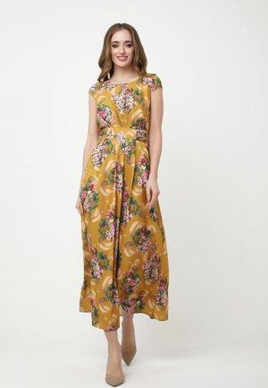 MAXIKLEID AZORA - Maxi dress - senf, rosa