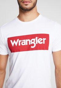 Wrangler - Printtipaita - white - 5