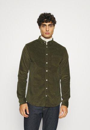 JOHAN SHIRT - Overhemd - olive green