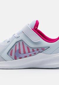 Nike Performance - DOWNSHIFTER 10 UNISEX - Neutral running shoes - football grey/purple pulse/thunder blue/white - 5