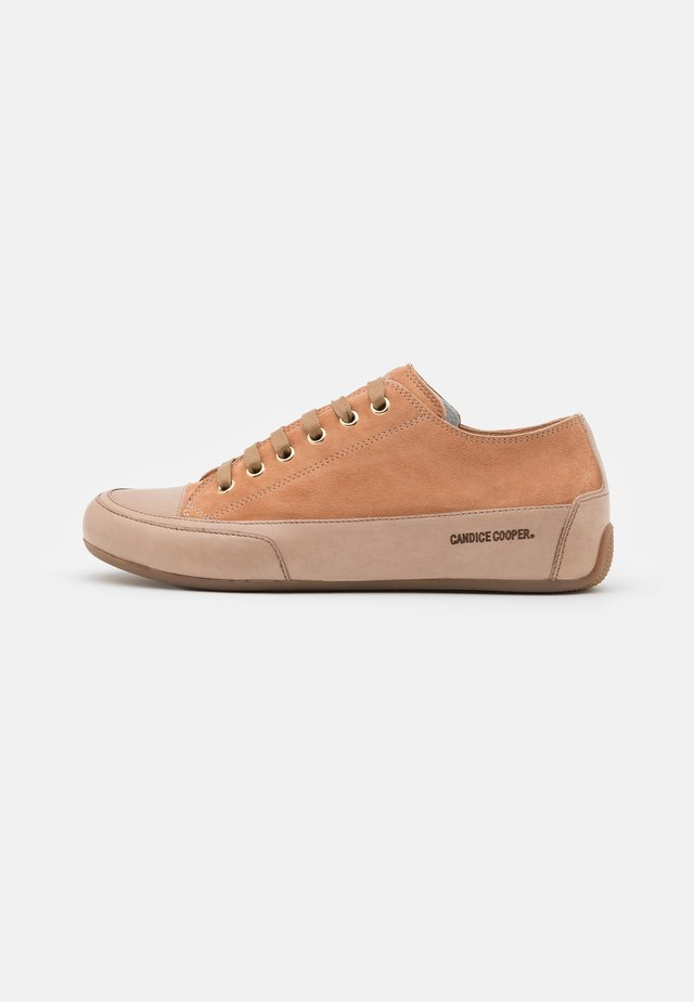 ROCK - Sneakers - tan