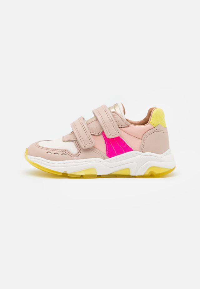 RAY - Sneakers laag - nude