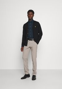 Calvin Klein Tailored - STRETCH SLIM  - Formal shirt - navy - 1