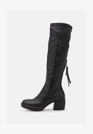Stivali con plateau - nero