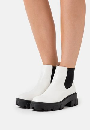 LIZA - Ankle Boot - white