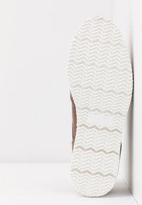 Anna Field Wide Fit - Zapatos de vestir - cognac - 6