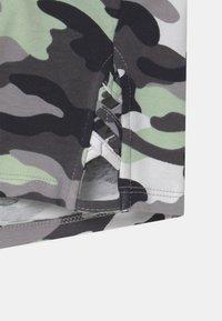 New Look 915 Generation - CAMO LATTICE SIDE - Print T-shirt - khaki - 3