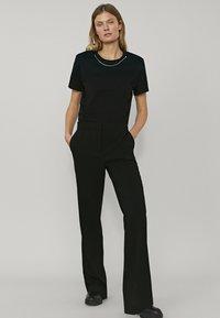 Massimo Dutti - MIT SCHLAG - Pantalon classique - black - 0