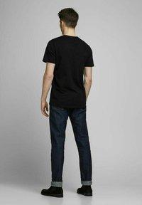 Royal Denim Division by Jack & Jones - JJ-RDD CREW NECK - T-shirt basic - black - 2