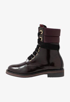 MALIN  - Šněrovací kotníkové boty - bordeaux