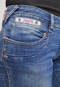 Herrlicher - PIPER SLIM - Slim fit jeans - bliss - 4