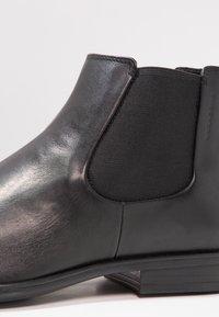 Vagabond - HARVEY - Classic ankle boots - black - 3