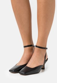 LAB BY AG - ANKLE STRAP - Tacones - black - 0