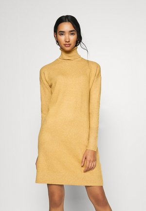 VMBRILLIANT ROLLNECK DRESS - Jumper dress - buckthorn brown melange