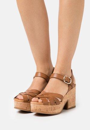 Platform sandals - alfa/tabaco