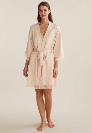MIT SPITZE - Dressing gown - beige