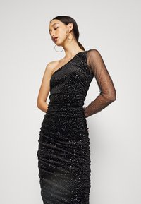 Missguided - COSTELLO ONE SHOULDER GLITTER BODYCON DRESS - Vestido de cóctel - black - 4