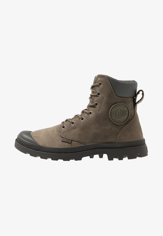 PAMPA SPORT CUFF WATERPROOF LUX - Lace-up ankle boots - green