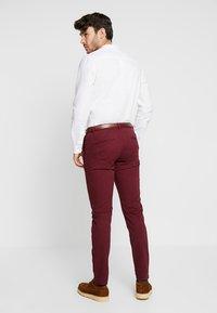 Scotch & Soda - MOTT CLASSIC - Pantalones chinos - bordeaux - 2