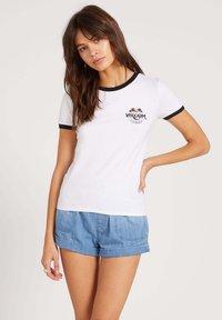 Volcom - GO FASTER RINGER TEE - T-Shirt print - white - 0