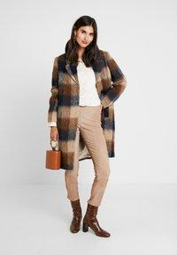 Levete Room - GIBY - Zimní kabát - dachshund combi - 1