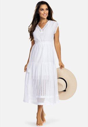 BOHO - Akcesoria plażowe - haftowana  biała