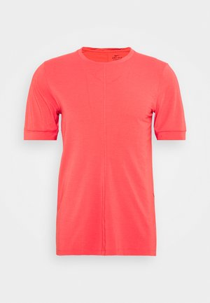 DRY YOGA - Basic T-shirt - fusion red