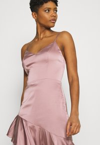 Nly by Nelly - SUCH A FLOUNCE MIDI DRESS - Cocktail dress / Party dress - dusty pink - 3