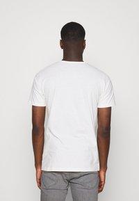 Lee - T-shirts - ecru - 2