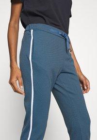 Rich & Royal - JOGG PANTS - Bukse - spring blue - 4