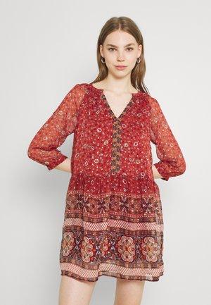 VMBOHEMEA SHORT DRESS - Day dress - chili oil/bohemea