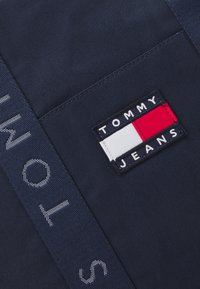 Tommy Jeans - HERITAGE TOTE - Shopping bag - blue - 3