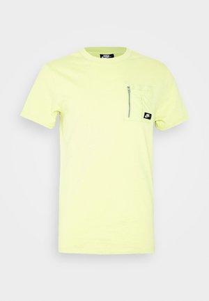 Basic T-shirt - limelight