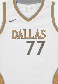 Nike Performance - NBA CITY EDITION DALLAS MAVERICKS LUKA DONCIC UNISEX - Club wear - white - 2