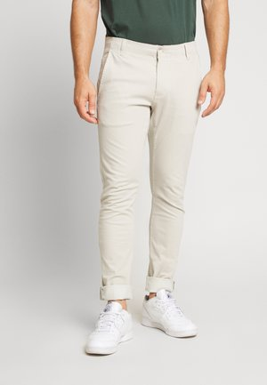 SMART FLEX ALPHA SKINNY LIGHTWEIGHT - Chinos - wet sand