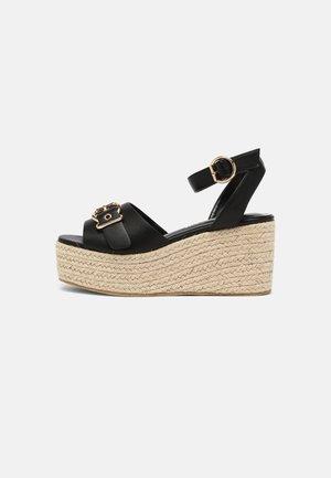 Sandały na platformie - black