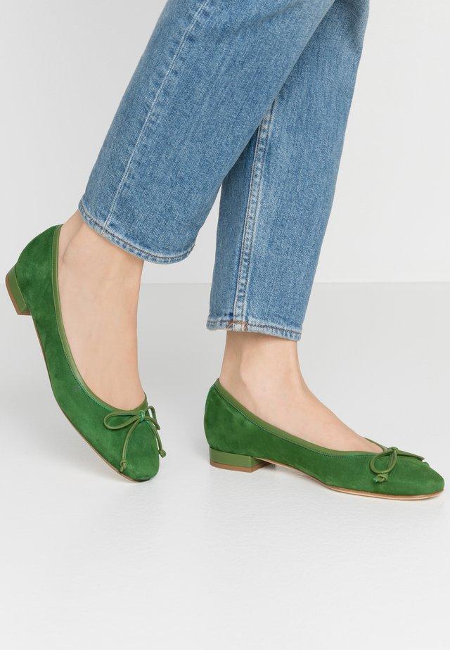 Baleriny - green