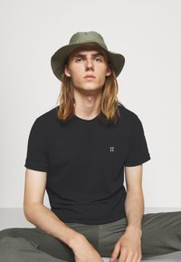 Les Deux - Basic T-shirt - black/white - 3