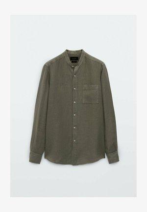 SLIM-FIT-HEMD AUS REINEM LEINEN MIT MAOKRAGEN 00101301 - Shirt - green